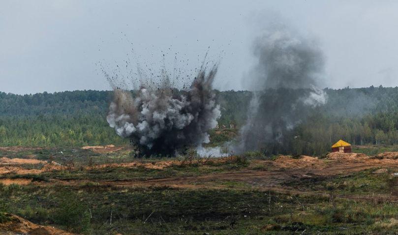 Luga artillery live fire