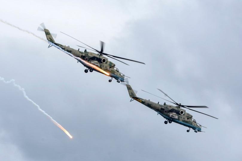 Mi-35 at luga.jpg