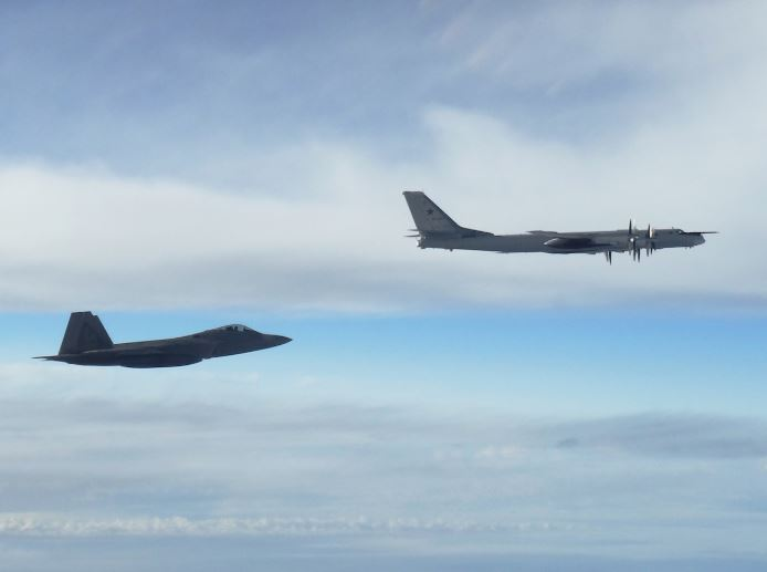 F-22 and Tu-95MS.JPG